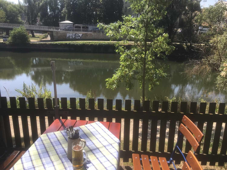 Wunderschöner Blick auf die Donau im Spitalgarten Biergarten
