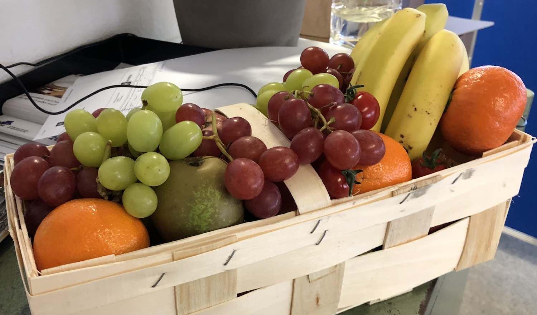 Frisches Gemüse und Obst im Büro in Mainz